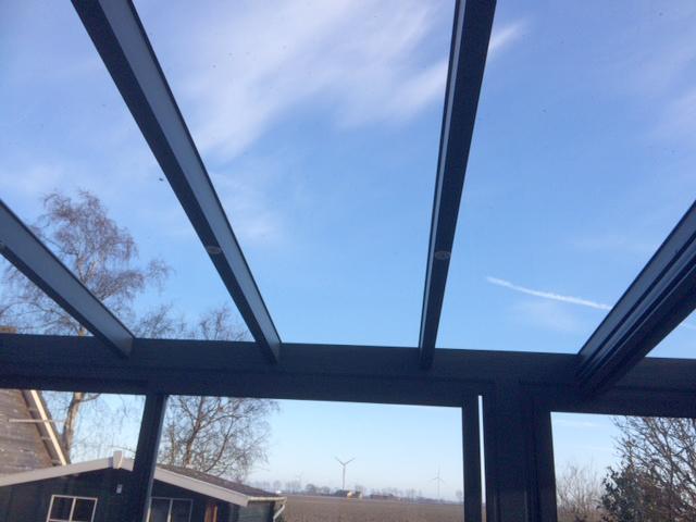 2018,5, met een glazen dak blijft het uitzicht optimaal, wo;ken, bomen_